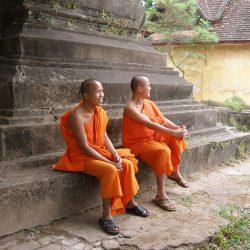 monks-1091888_1920